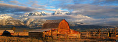 Wyoming, Grand Teton National Park, barn, sunrise, mountains