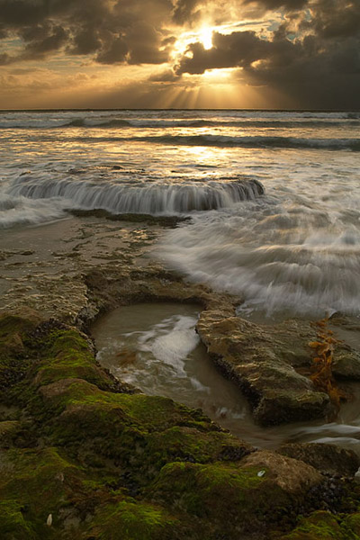 ray, sun, light, waterfall, tide, ocean, rock, sunset, low tide, Encinitas, Swamis, photo